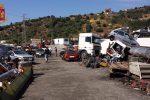 Rifiuti pericolosi e veicoli da rottamare senza permessi, sequestrato un terreno a Pagliara