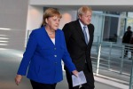 Merkel a Johnson, pronti a una Brexit senza accordo