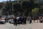 Ambulanti abusivi, nuovo blitz a Messina: vigili in piazza Duomo