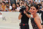 Mostra del Cinema, si parte fra le polemiche: il red carpet della madrina Alessandra Mastronardi