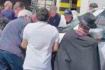 """Auto in sosta sui binari, a Ferragosto bloccato il """"treno della Sila"""""""