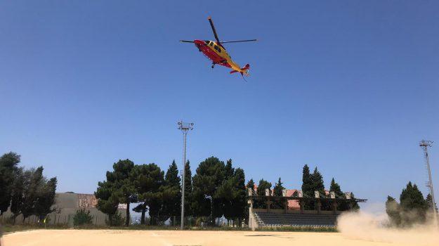 cade con la bici, elisoccorso, Francesco Andreacchi, Catanzaro, Calabria, Cronaca