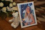 L'addio alla giovane Aurora a Messina, strazio e commozione ai funerali - Foto