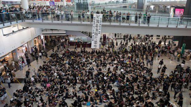 Cina contro Usa, proteste Hong Kong, Sicilia, Mondo