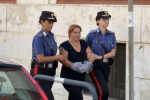 Droga e conti bancari hackerati, retata dei carabinieri a Reggio: il video dell'uscita degli arrestati