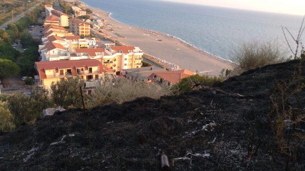 autostrada del mediterrraneo, falerna, incendio, Catanzaro, Calabria, Cronaca