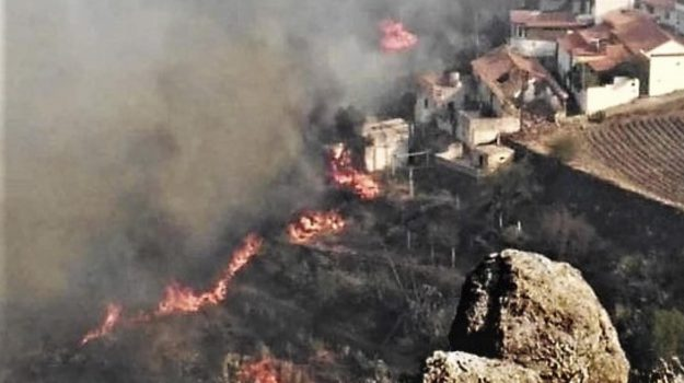 evacuati Gran Canaria, incendio Gran Canaria, Angel Victor Torres, Sicilia, Mondo