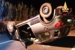 Lamezia, perde il controllo dell'auto e si ribalta: ferita una donna