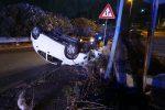 Doppio incidente nella notte a Messina, due feriti e vigili del fuoco in azione - Foto