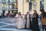 """Donne, cavalier ed amori al borgo di Arena: torna """"La Castellana"""" - Foto"""