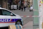 Accoltellamenti a Lione, una vittima e otto feriti: arrestato un afghano