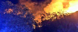Brucia l'isola di Lipari, gli incendi minacciano le case di Acquacalda e Quattropani