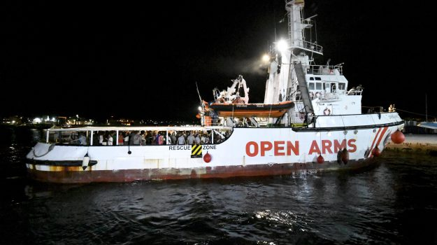migranti, open arms, porto messina, Messina, Sicilia, Cronaca