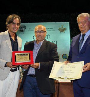 Aldo Mantineo vince il Rhegium Julii: l'assegno andrà alla carceri di Reggio per l'acquisto di libri
