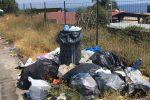 Degrado lungo le autostrade siciliane: le foto dei rifiuti nelle aree di sosta