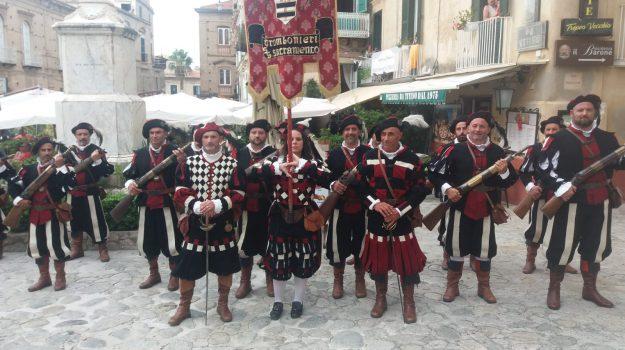 coronavirus, rievocazione storica tropea, Catanzaro, Calabria, Cultura