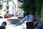 Rifiuti fuori orario a Messina, è caccia ai trasgressori: elevate 76 multe