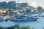 Vini per 50 mila euro e argenteria: le ricche spese dello sceicco a Milazzo