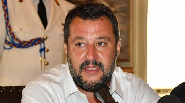 crisi di governo, Giuseppe Conte, Matteo Renzi, Matteo Salvini, Sicilia, Politica