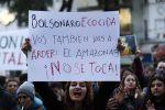 Incendi in Amazzonia, Bolsonaro autorizza l'uso dell'esercito