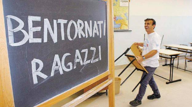 scuola, Cosenza, Calabria, Economia