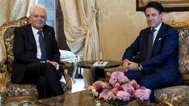 Crisi di Governo, gelo maggioranza-Renzi. E Vitali passa da FI a... Conte