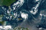 L'arrivo dell'uragano Dorian spaventa le coste della Florida