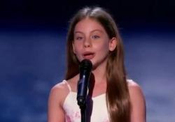 Emanne, 10 anni, conquista i giudici di America's Got Talent cantando Caruso È stata premiata dal giudice Jay Leno con il Golden Buzzer e ha scatenato l'ovazione della platea del talent Usa - Corriere Tv