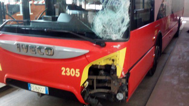 incidente stradale a Granatari, Messina, Sicilia, Cronaca