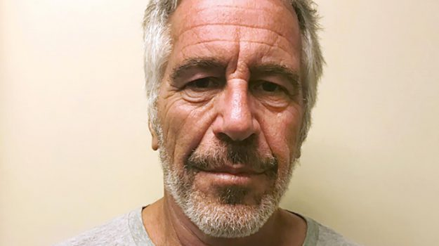 lista nera di Epstein, suicidio Jeffrey Epstein, Andrea Bonomi, bill clinton, Bill Cosby, Charles Spencer, Donald Trump, Flavio Briatore, Ghislaine Maxwell, Giuseppe Cipriani, Henry Kissinger, Henry Weinstein, James Stewart, Jeffrey Epstein, Kevin Spacey, Lady Diana, Michael Bloomberg, Mick Jagger, Naomi Campbell, Richard Branson, Rupert Murdoch, Sarah Ferguson, Steve Bannon, Ted Kennedy, Tom Barrack, Tony Blair, Virginia Roberts, Woody Allen, Sicilia, Mondo