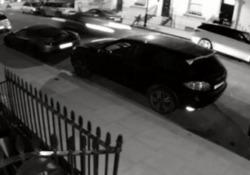 Londra: si schianta contro una McLaren, una Porsche e una Bentley Le auto erano parcheggiate in strada. Il danno? Ammonta a oltre mezzo milione di euro - CorriereTV