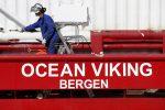 Ocean Viking, il premier maltese annuncia l'accordo: migranti distribuiti in 6 Paesi Ue
