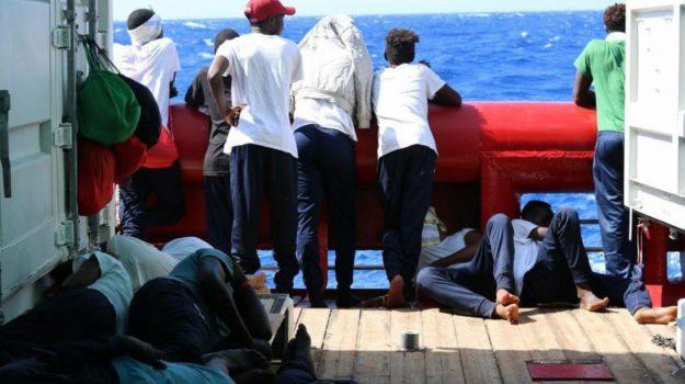 migranti, ocean vikng, Sicilia, Mondo