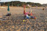 Roccelletta di Borgia, sequestrati oltre cento ombrelloni abusivi