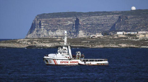 migranti, open arms, Danilo Toninelli, Sicilia, Cronaca