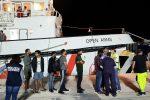 Open Arms, finita l'odissea dei migranti a Lampedusa