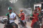 """Palio """"Cu I Ciucci"""" di Latino Borgo, folla per la gara sugli asinelli"""