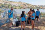 Oltre 400 chili di rifiuti e materiali tolti dalle sponde e dalle acque del lago Ganzirri a Messina