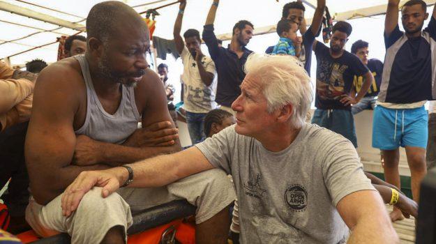 migranti, open arms, richard gere, Sicilia, Cronaca