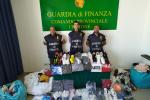 Abiti contraffatti, sequestro al mercato del giovedì di Crotone