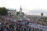 La preghiera per Francesco e i fazzoletti bianchi: l'abbraccio di Messina per la Vara