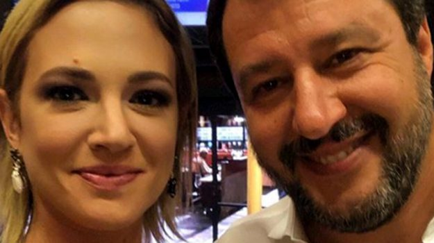 Live-Non è la D'Urso, tv, Asia Argento, Matteo Salvini, Sicilia, Società