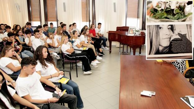 incidente, liceo, Aurora De Domenico, Messina, Sicilia, Cronaca