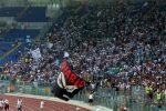 Pari spettacolare nel derby della Capitale, Lazio e Roma fermate dai legni