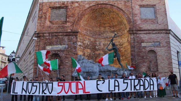 forza nuova, Catanzaro, Calabria, Politica