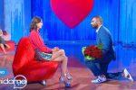 Uomini e donne, Conversano in tv chiede la mano della fidanzata ma lei rifiuta