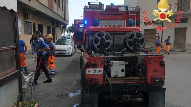 incendio catanzaro, lavanderia Catanzaro, Catanzaro, Calabria, Cronaca