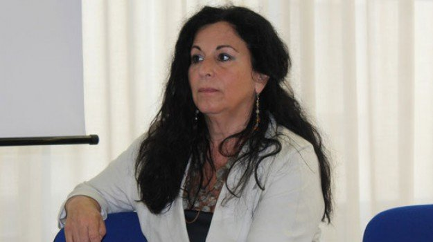 commissario Mastrobuono, ospedale pugliese-ciaccio, Antonio Mantella, Giulia Grillo, Isabella Mastrobuono, Catanzaro, Calabria, Cronaca