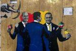 Dopo il bacio Salvini-Di Maio ecco un nuovo murales sul Conte-bis
