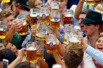 Monaco, al via l'Oktoberfest: attese oltre 6 milioni di persone alla festa della birra